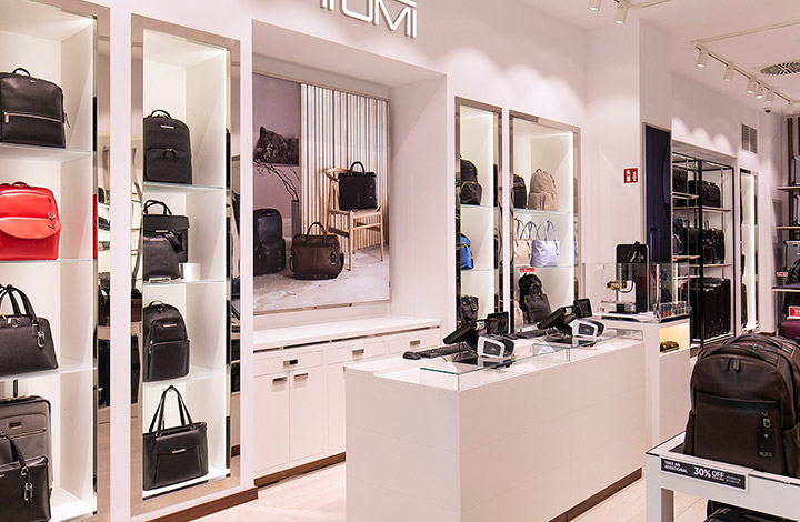 Tumi Outlet Store 02