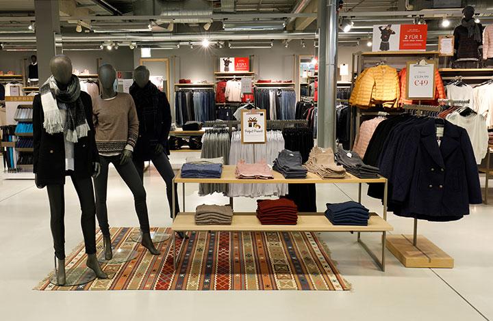 Esprit Outlet - Store 01