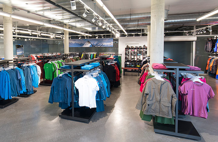 Mammut Outlet Store 02