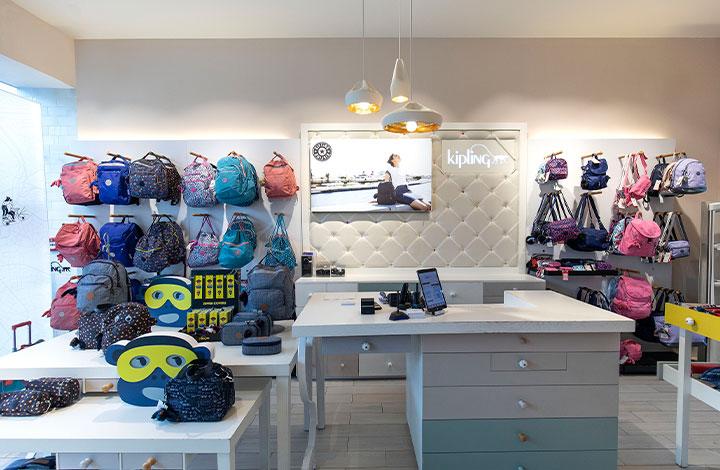 Kipling Outlet Store 02