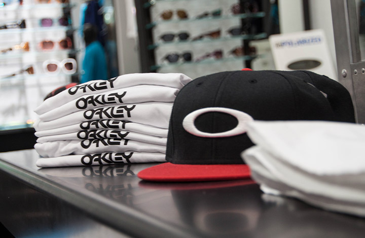 Oakley Outlet Store 02