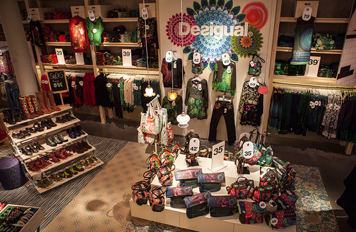 Desigual Outlet Store 01