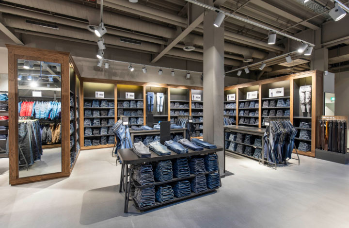 Diesel Outlet Store 02