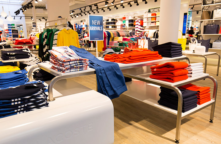 Lacoste Outlet Store 02