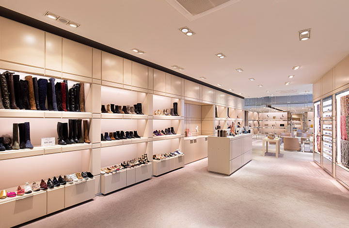 Jimmy Choo Outlet Store 04