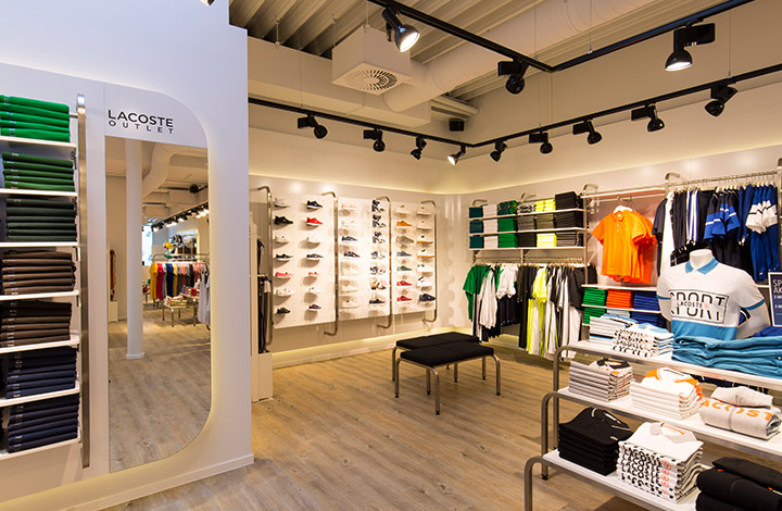 Lacoste Outlet Store 03